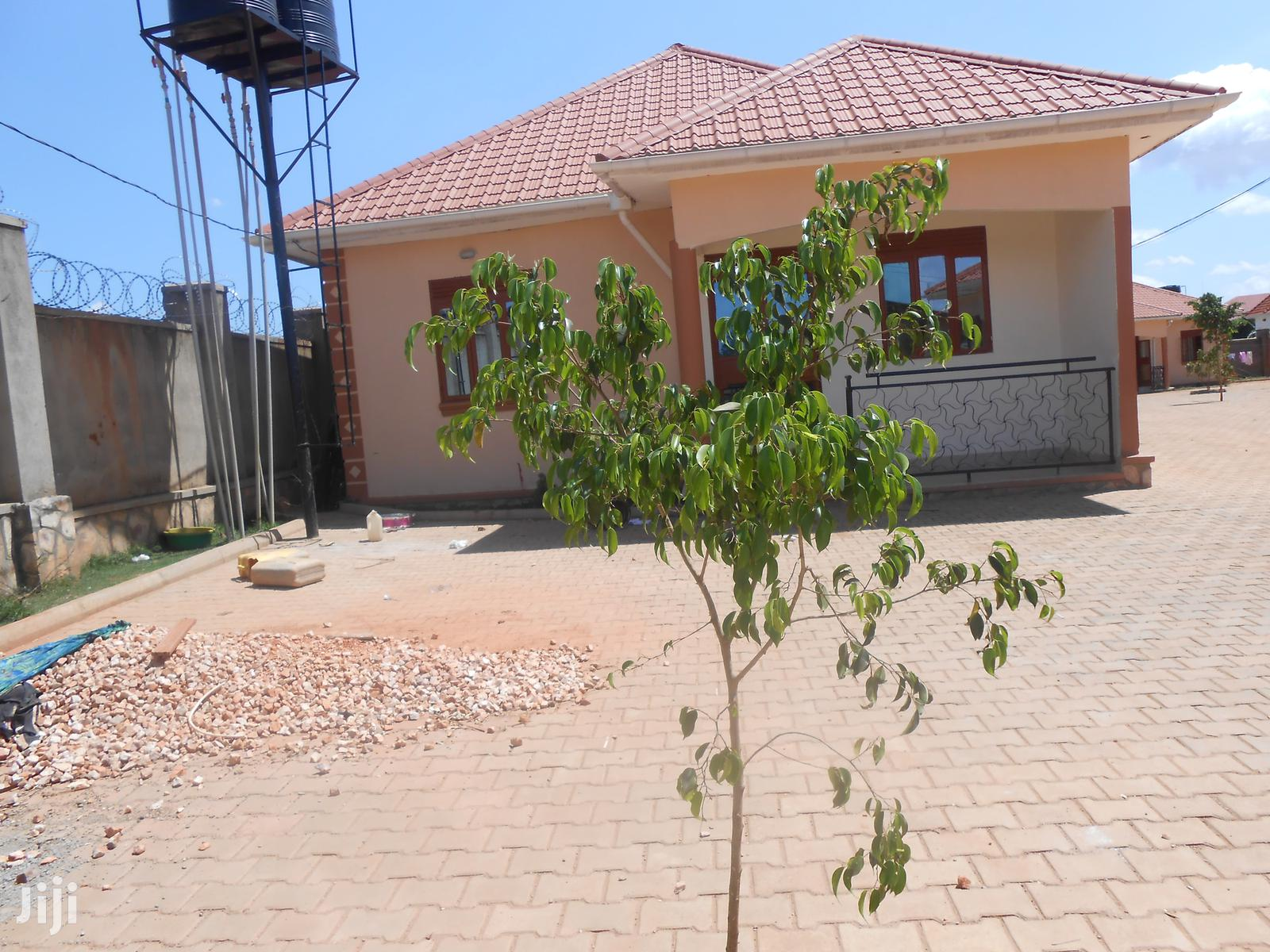 Naalya Two Bedroom Two Toilets House For Rent