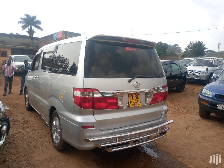 Toyota Alphard 2004 Silver | Cars for sale in Kampala, Central Region, Uganda