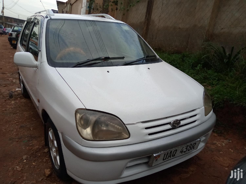 Toyota Raum 1999 White