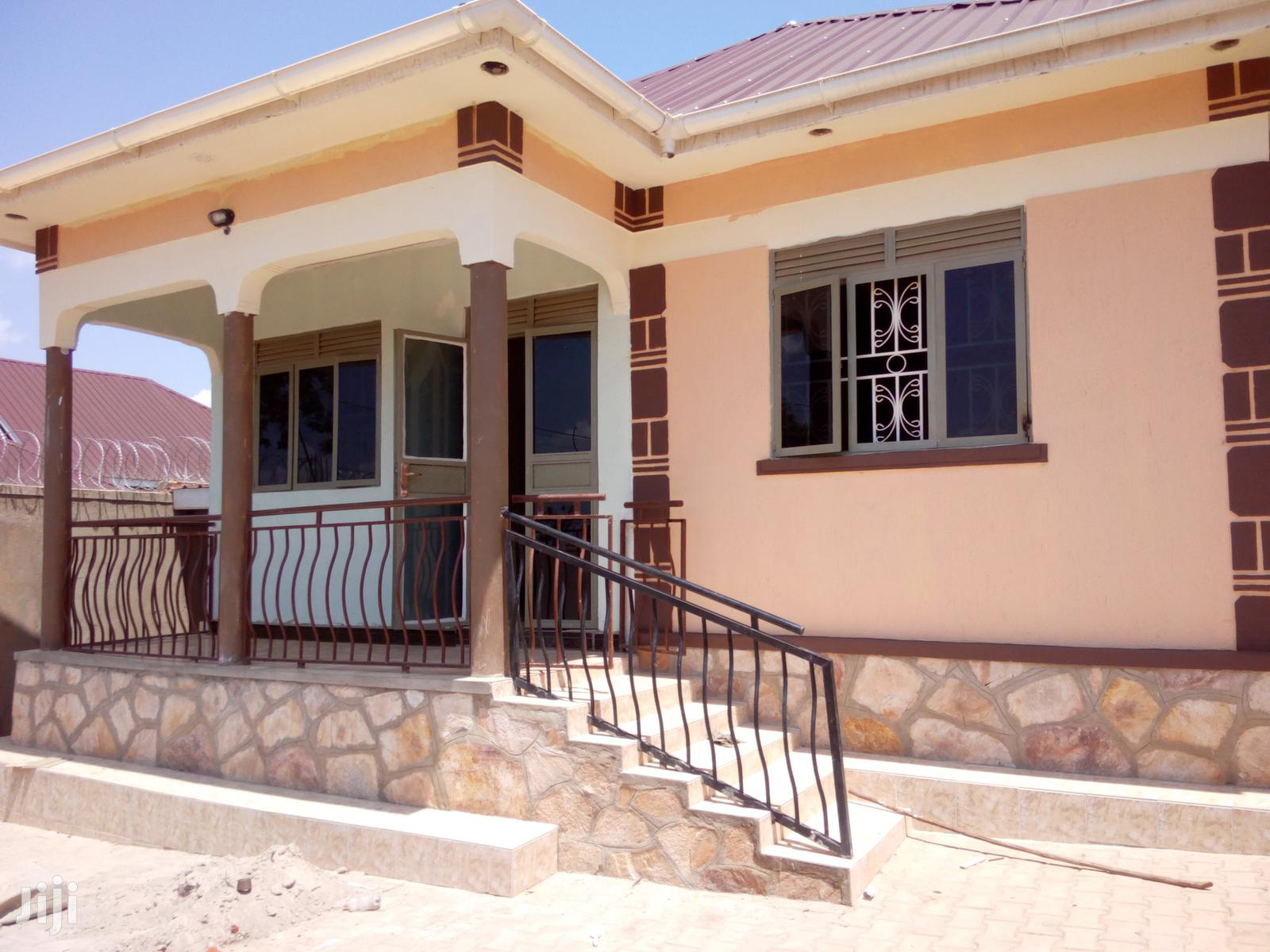 Two Bedroom Two Toilets House In Kira For Rent