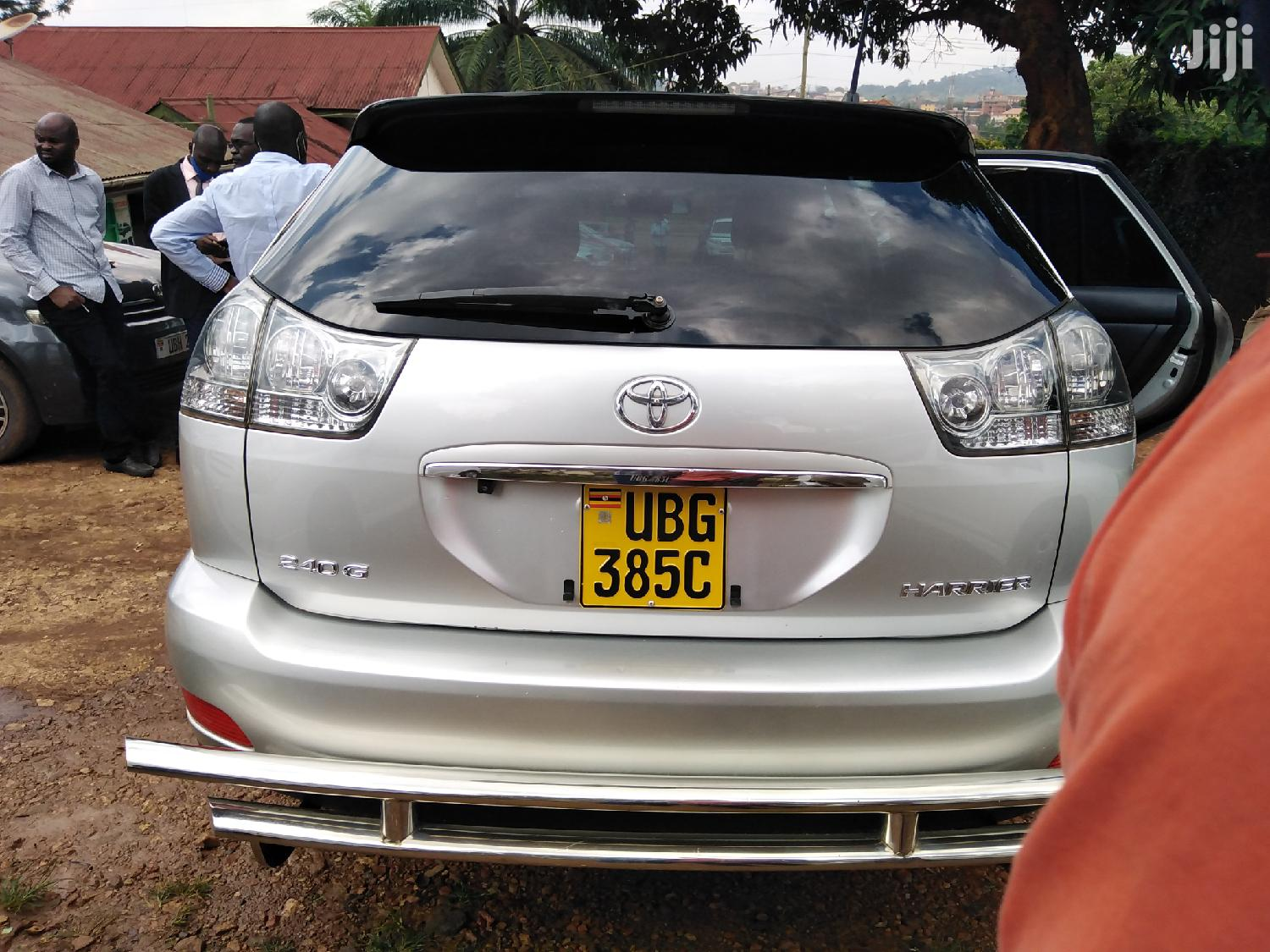 Archive: New Toyota Harrier 2005 Silver