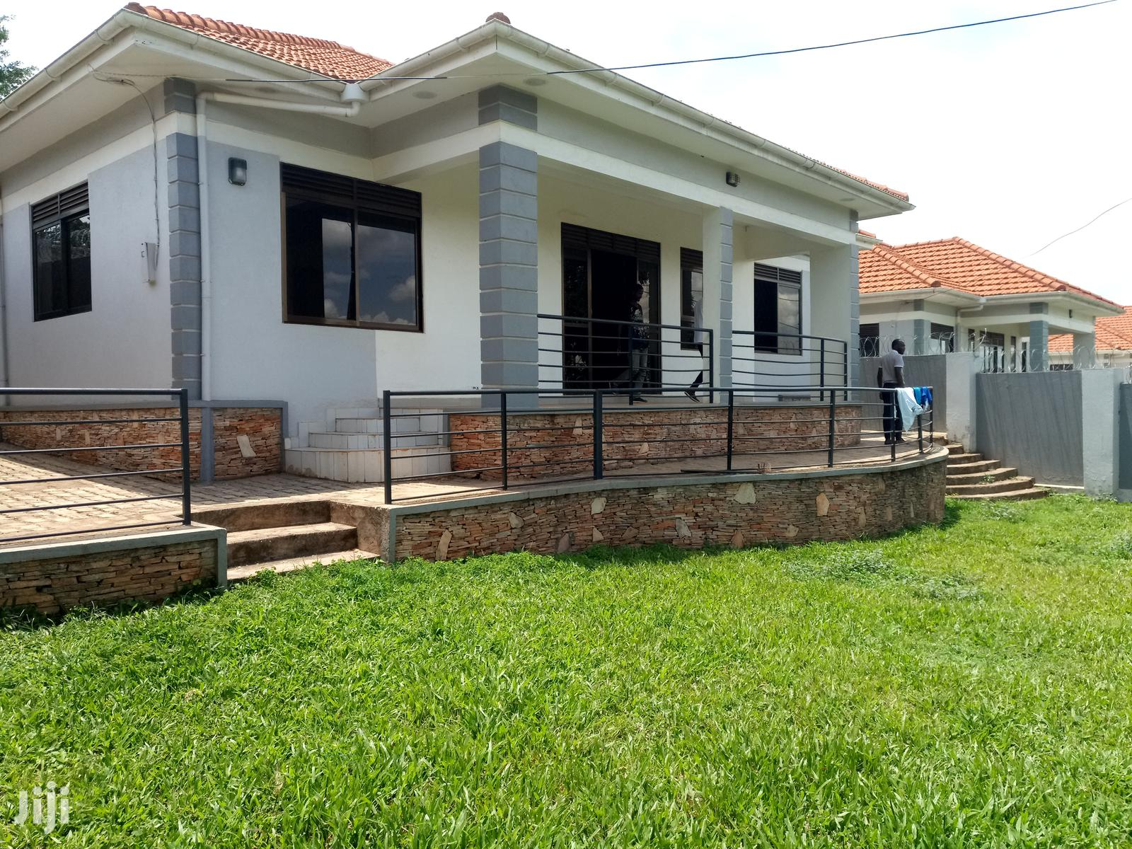 New Three Bedroom House In Kira For Sale
