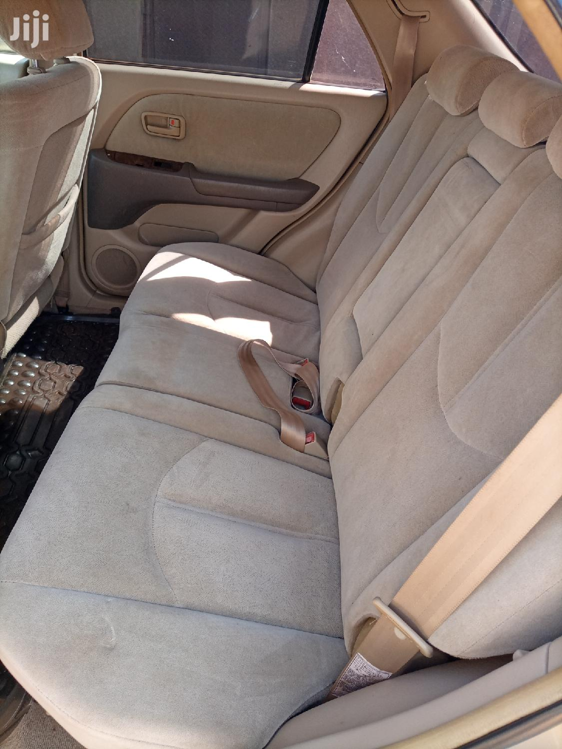 Archive: Toyota Harrier 2001 Gold