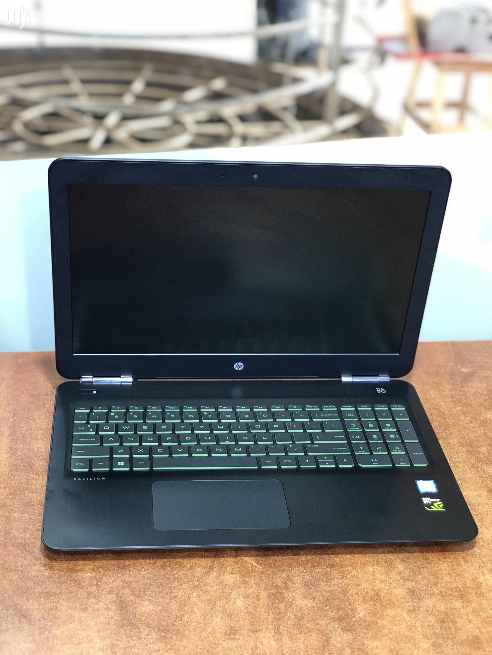 New Laptop HP Pavilion 15 8GB Intel Core i5 SSHD (Hybrid) 1T