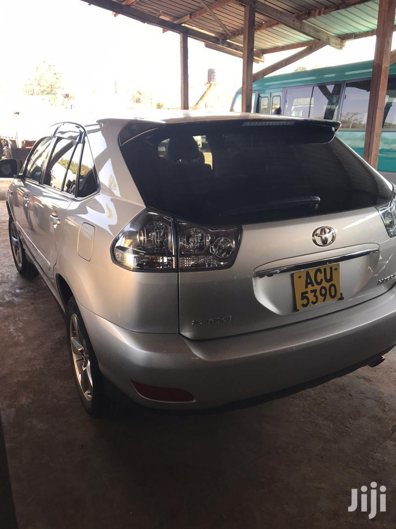 Archive: New Toyota Harrier 2006 Silver