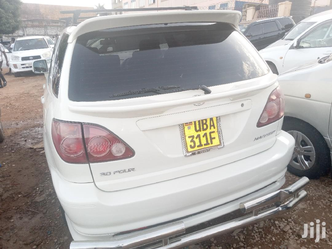 Archive: New Toyota Harrier 2000 White