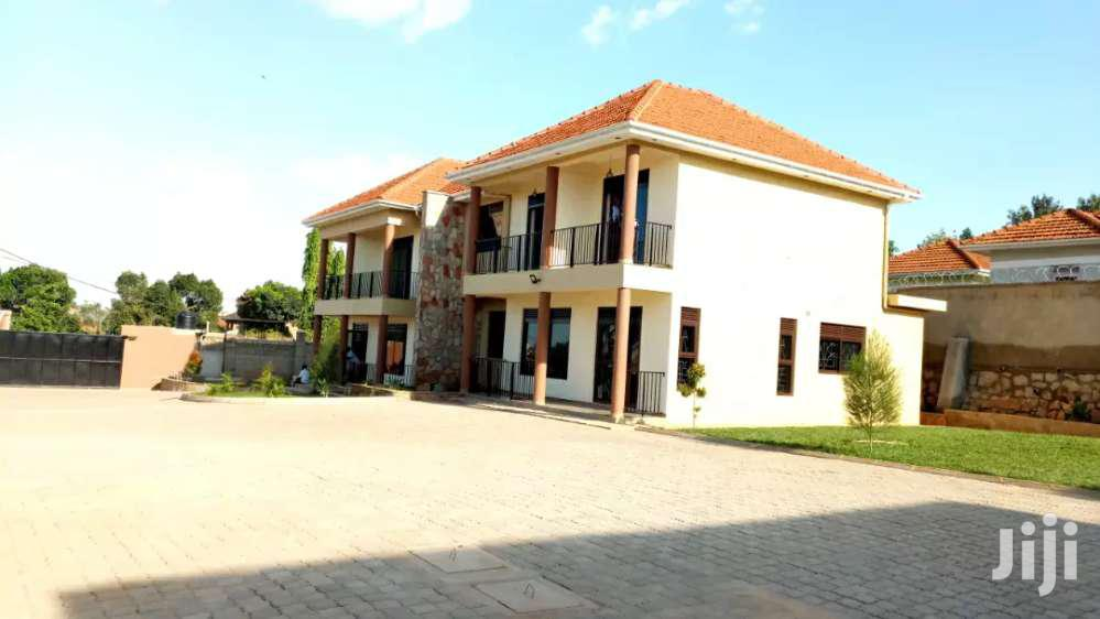 Three Bedrooms Duplex House for Rent in Ntinda Along Kyambogo Rd.