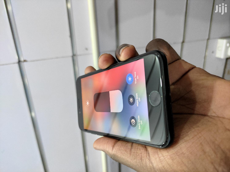 Apple iPhone SE (2020) 64 GB Black