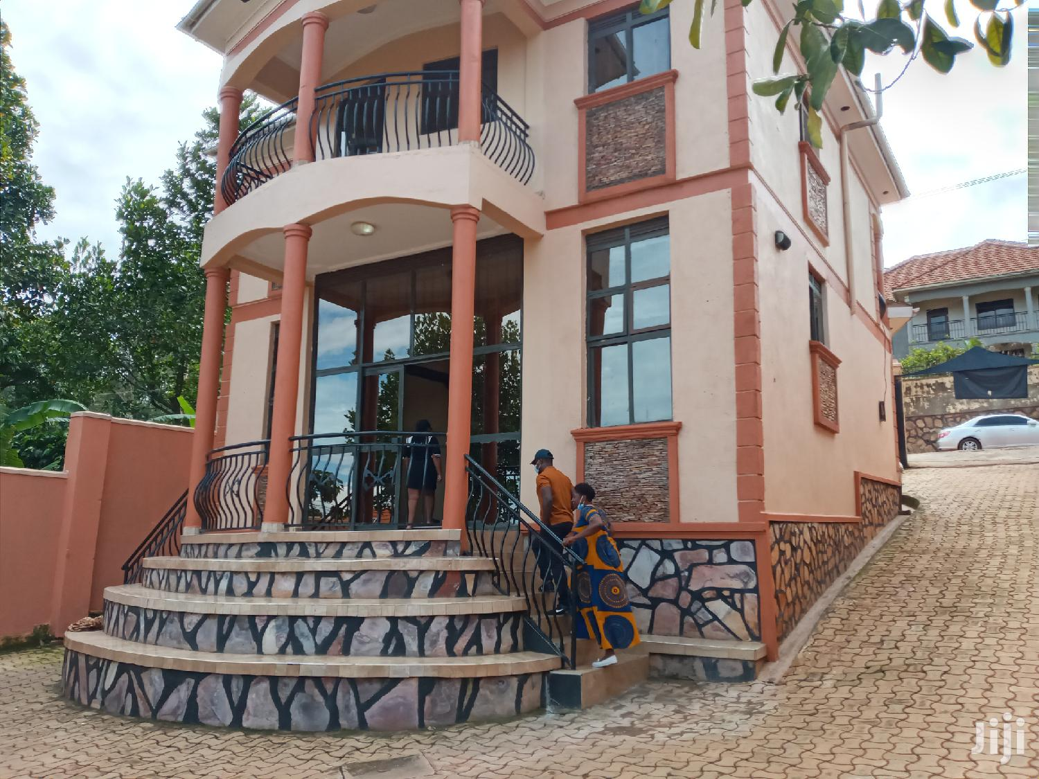 Very Classic Fancy Double Stroy Home on Quick Sale Seguku