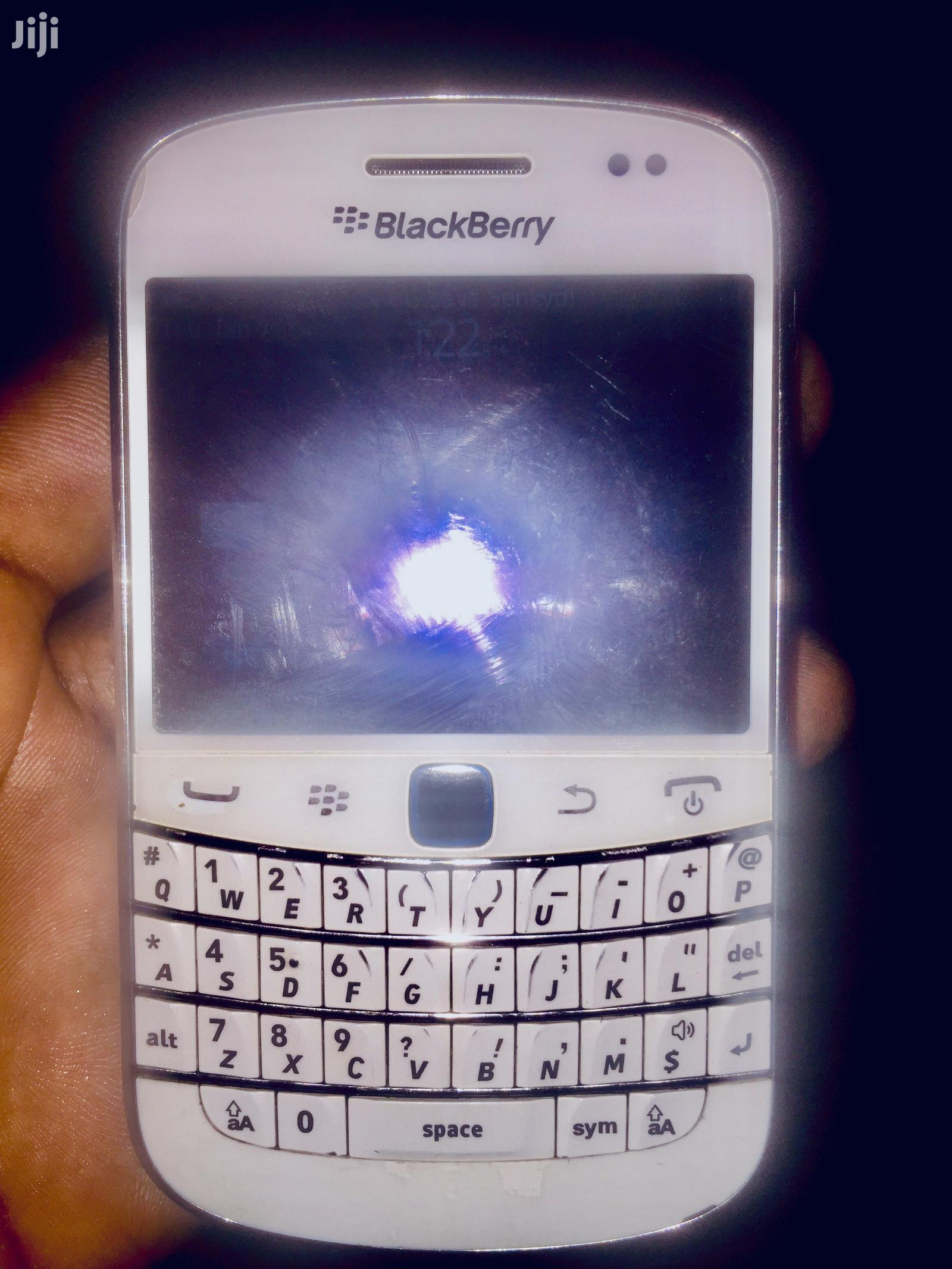BlackBerry Bold Touch 9900 8 GB White | Mobile Phones for sale in Kampala, Central Region, Uganda