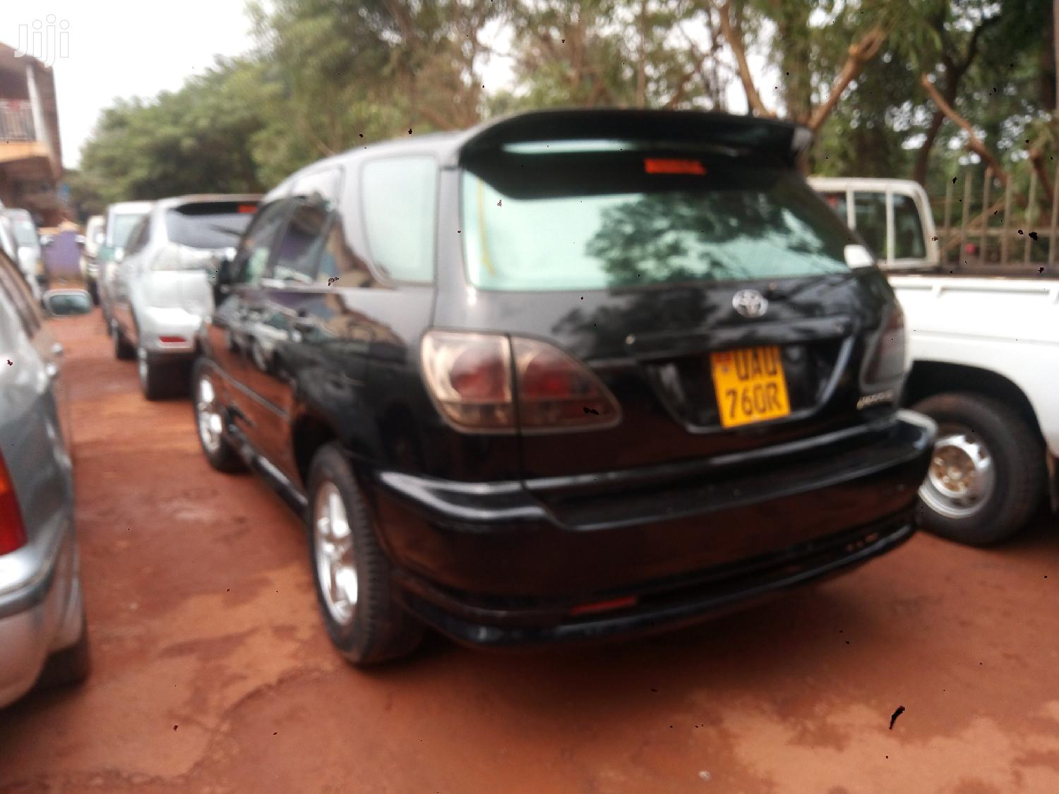 Toyota Harrier 1999 Black