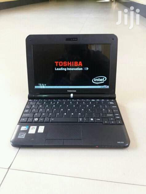Laptop Toshiba NB200 2GB Intel Atom HDD 160GB