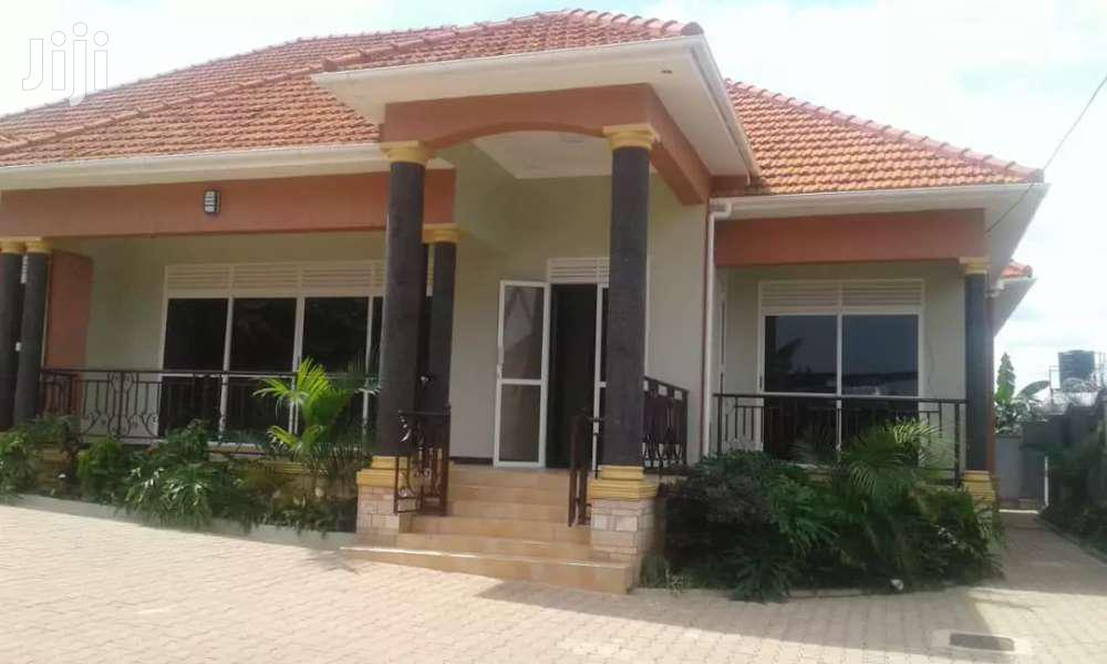 Archive: House In Kitende Entebbe Road For Sale