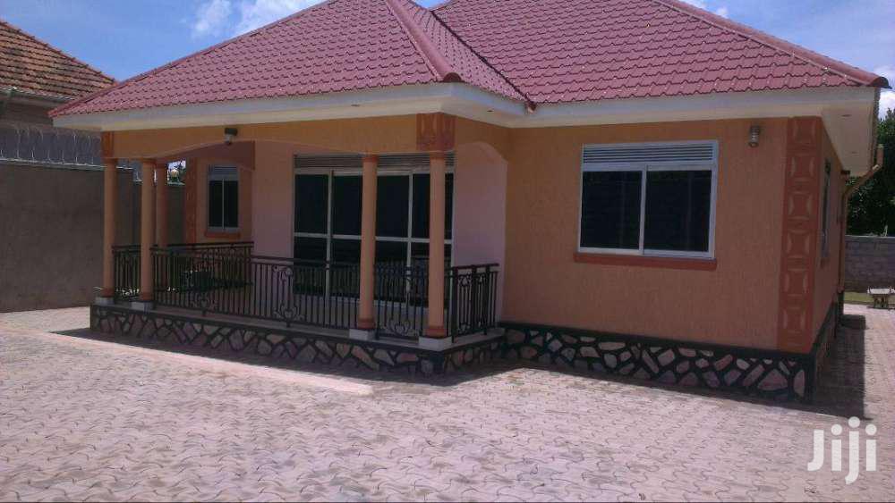 Three Bedroom House In Kito Kirinya For Rent