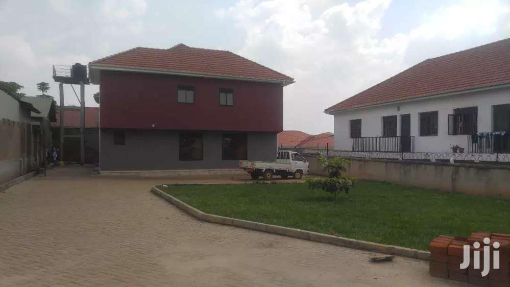 Three Bedroom House In Kireka Bweyogerere For Rent