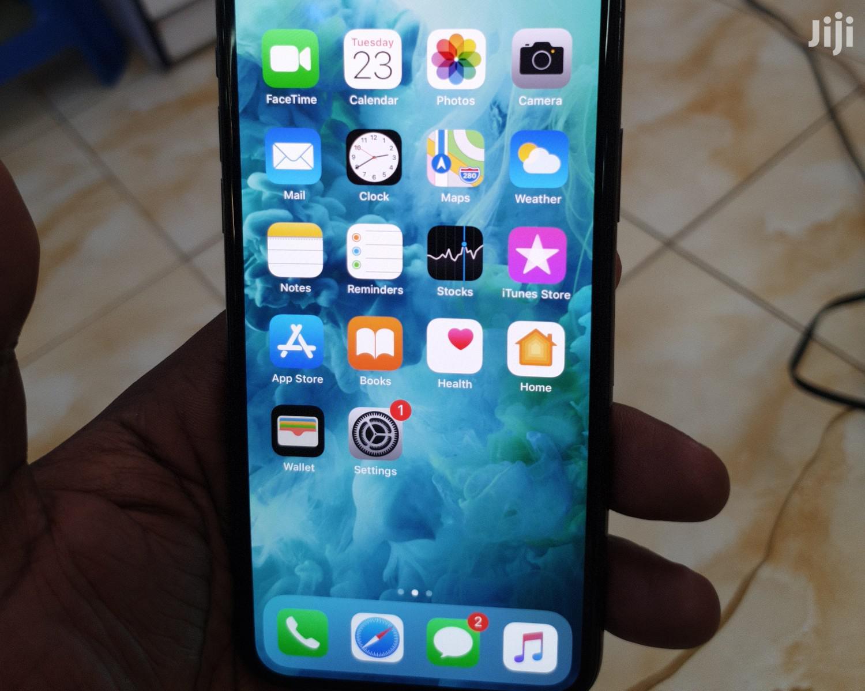 Archive: Apple iPhone X 64 GB Gray