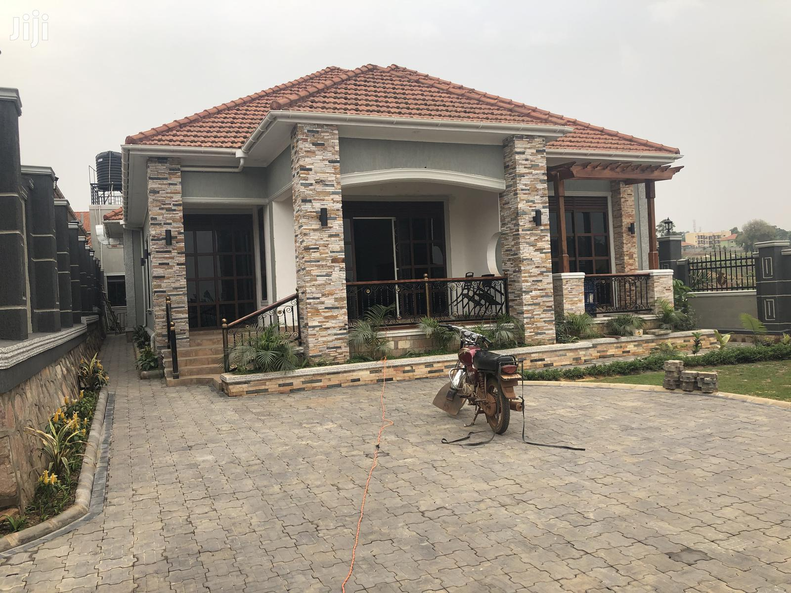 Beach Close House for Sale Kira With Ready Title