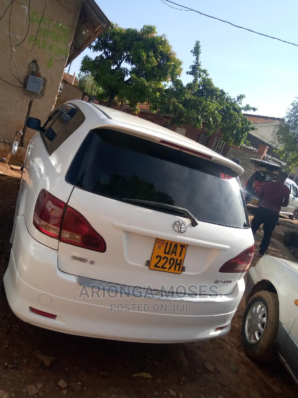 Toyota Ipsum 2001 White   Cars for sale in Kampala, Central Region, Uganda