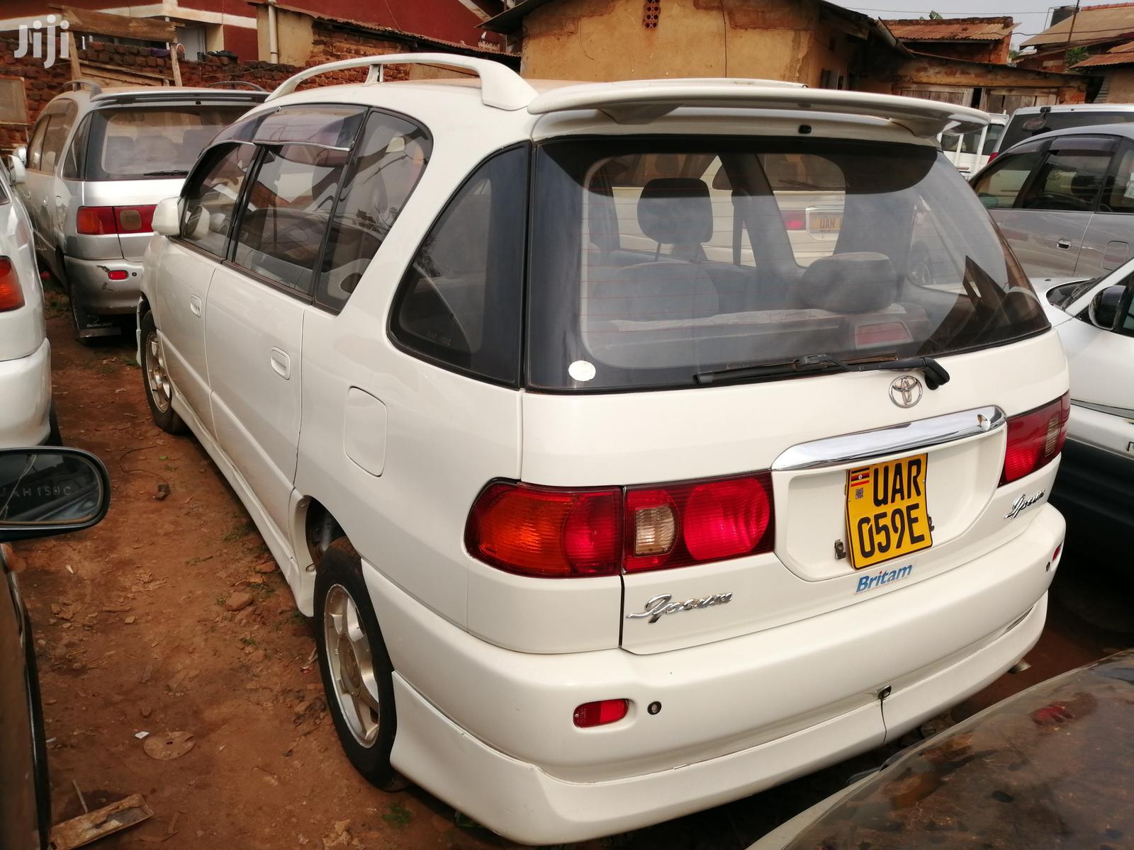 New Toyota Ipsum 1999 White