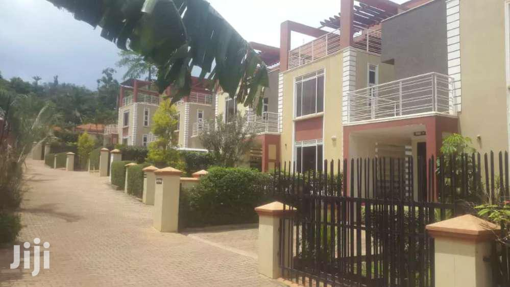 4bedrooms Townhouses For Rent In Mbuya