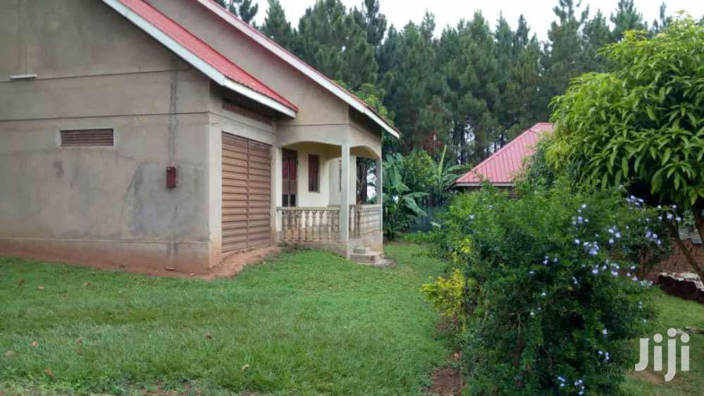 Archive: 3bedroom Home On 12 Decimals In Namugongo Kiwango