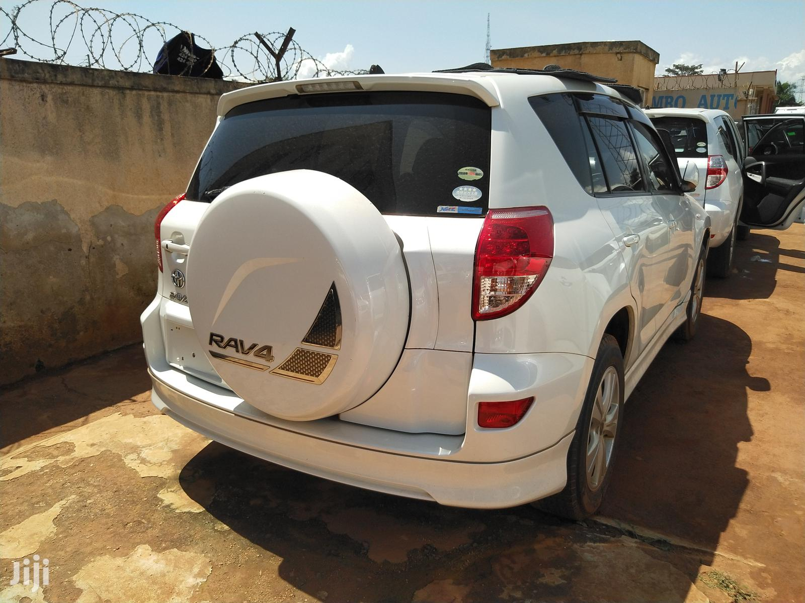 Archive: New Toyota RAV4 2007 White