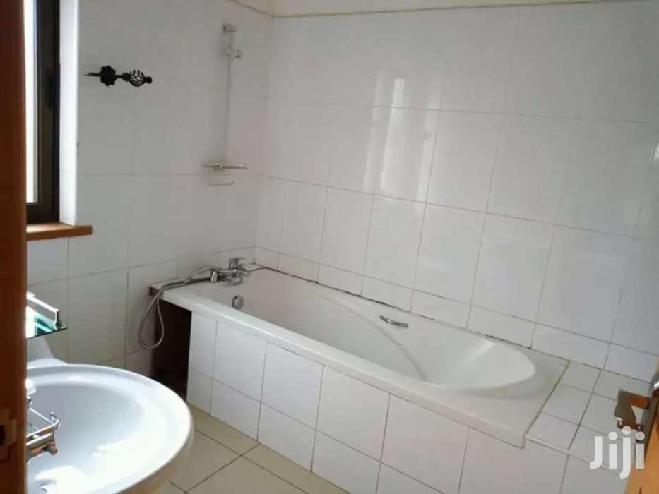 3 Bedrooms Apartment In Mbuya