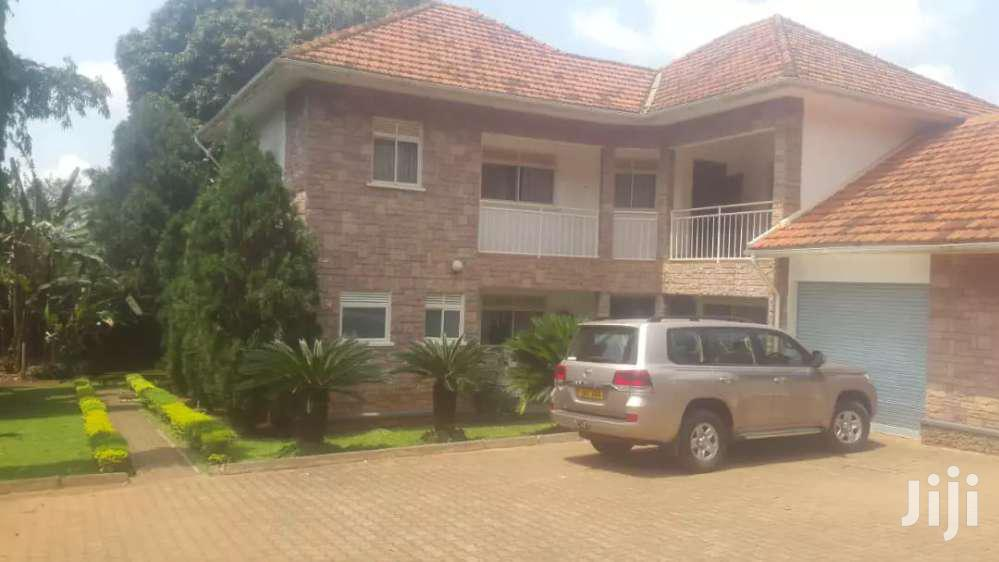 Five Bedroom House In Kololo For Rent
