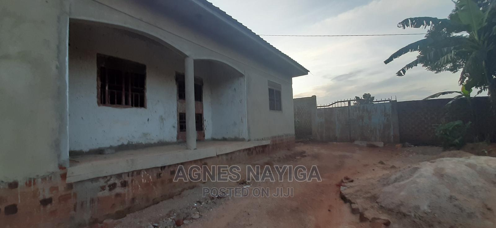 Archive: Land and Semi-Finished Houses in Katale Nalumunye for Sale