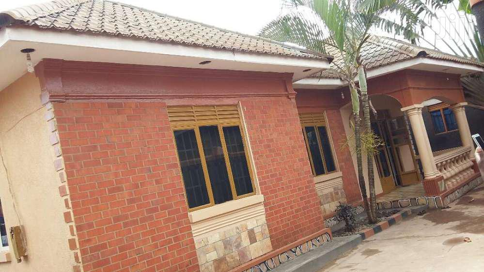 Four Bedroom House In Salaama Munyonyo Road For Sale