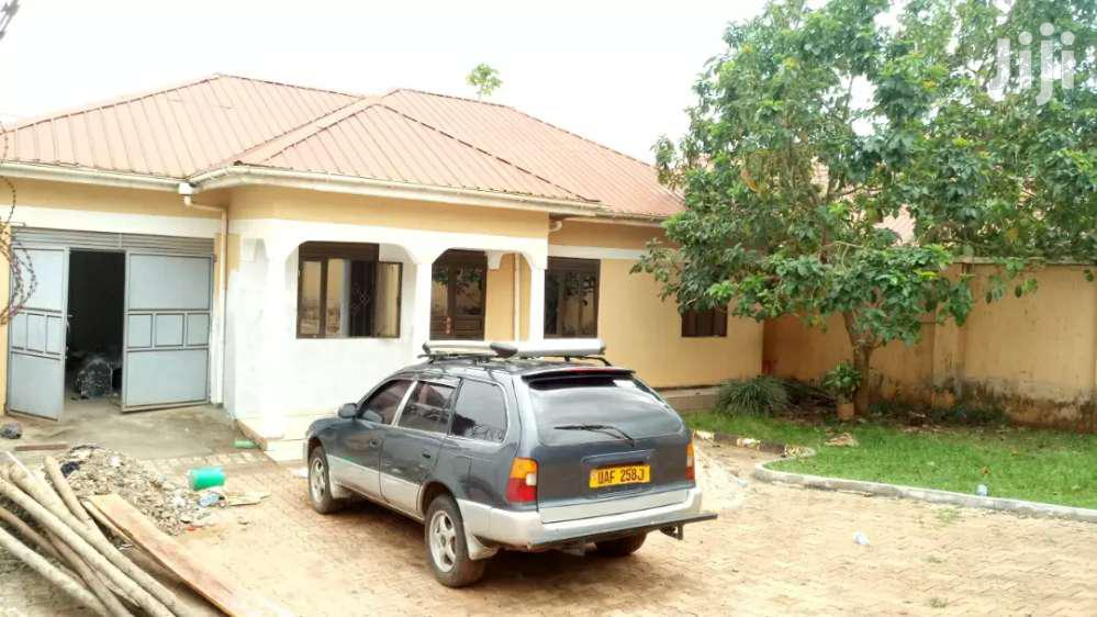 Kireka Three Bedrooms Standalone House for Rent.