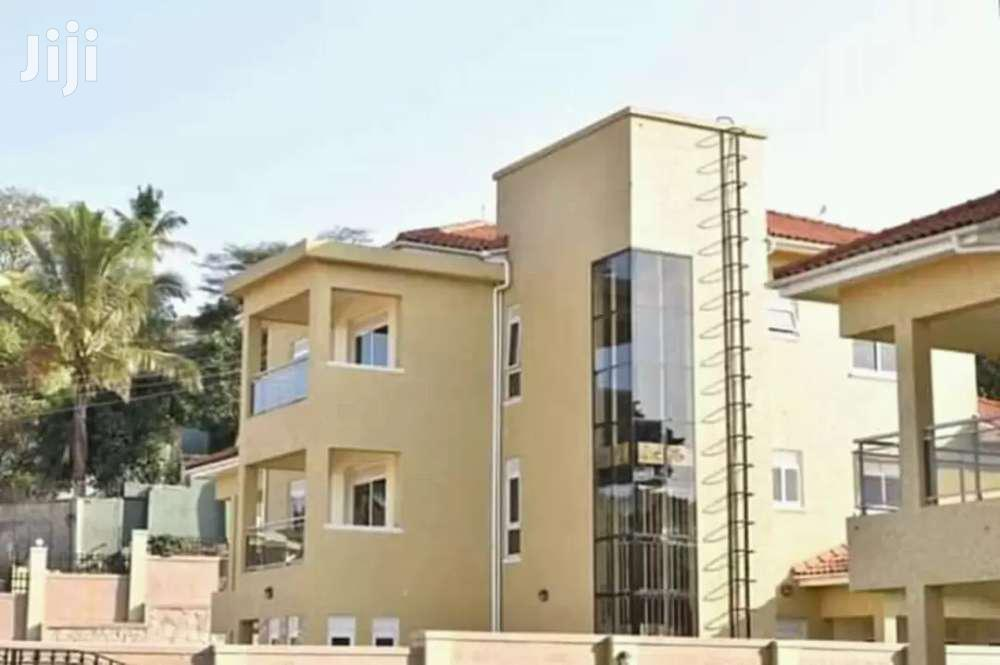 Seven Bedroom House In Munyonyo For Rent