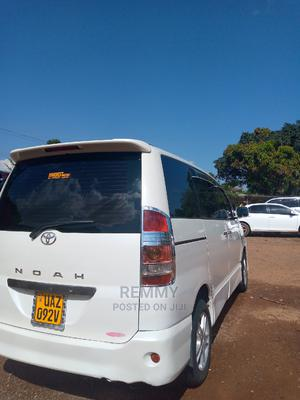 Toyota Noah 2004 White   Cars for sale in Central Region, Wakiso