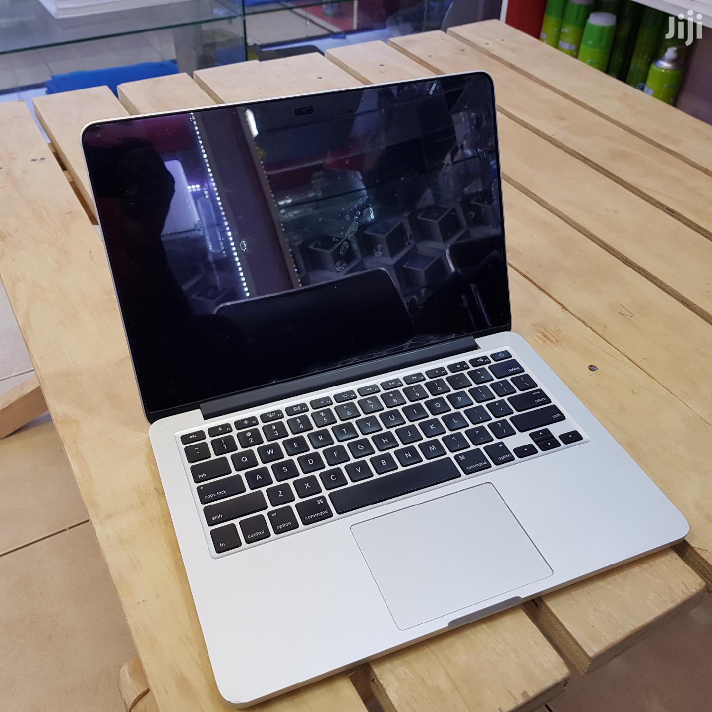 Apple Macbook Pro 13 Inches 128 GB SSD Core I5 8 GB RAM