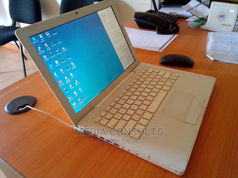 Laptop Apple MacBook 3GB Intel Core I3 256GB