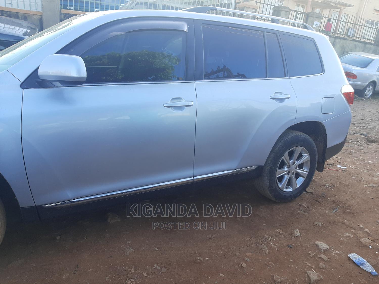 Toyota Kluger 2012 Silver | Cars for sale in Kampala, Central Region, Uganda