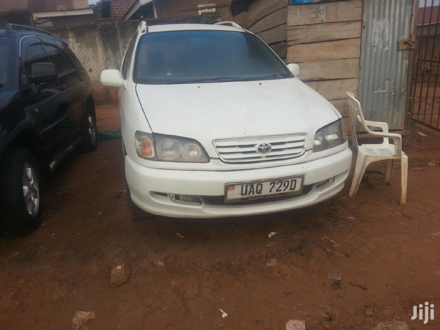 Toyota Ipsum 1999 White | Cars for sale in Kampala, Central Region, Uganda