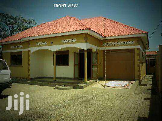 Archive: 3 Bedrooms With Master Ensuite In Kawuku Alone In A Compound For Rent