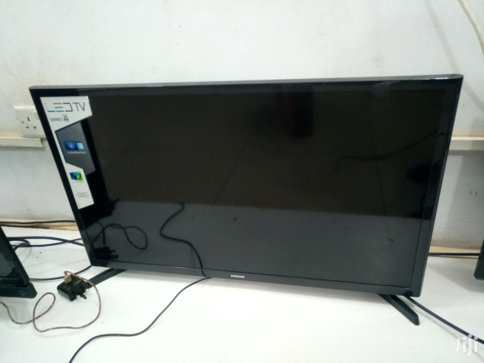 Samsung Flat Screen Digital TV 32""