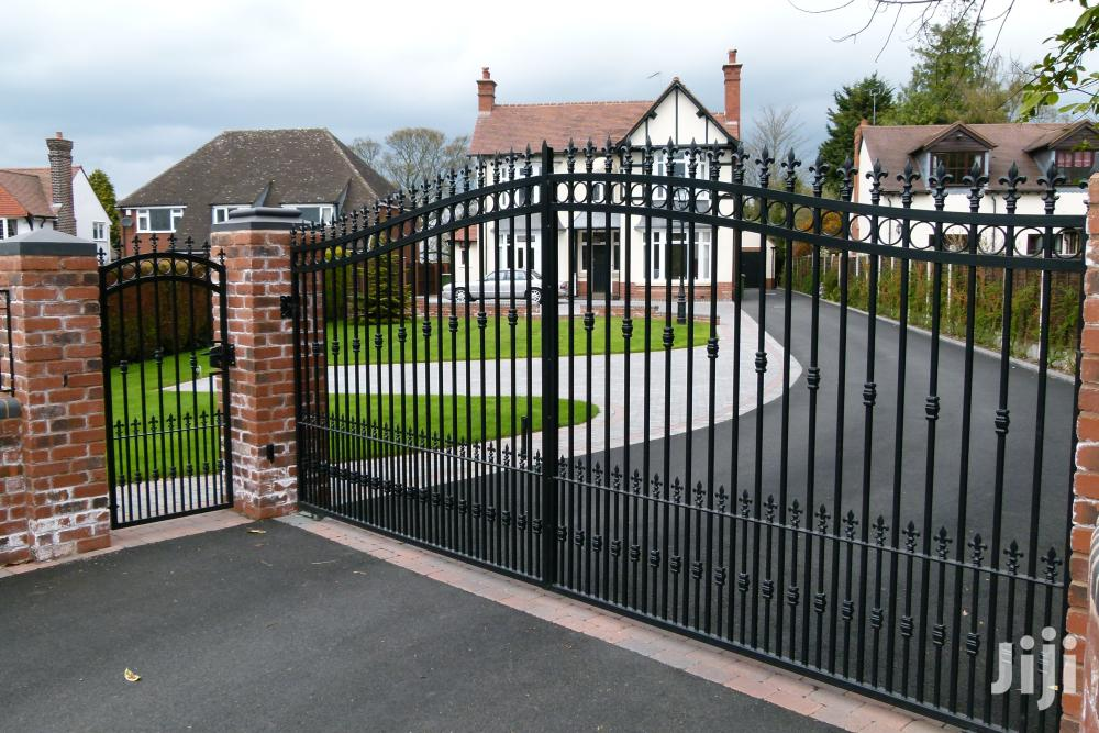 Y170819 Wrought Iron Gates Of High Quality
