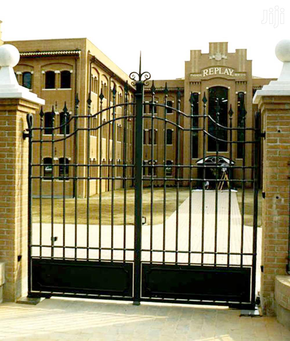 Y180819 Wrought Iron Quality Gates B