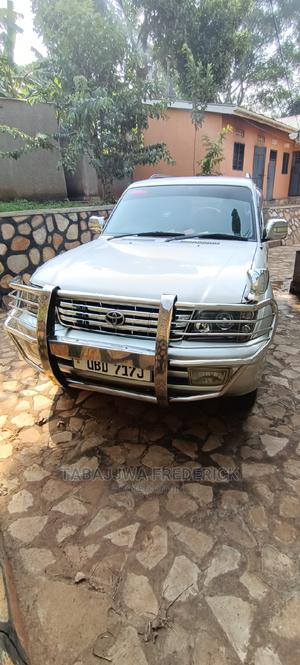 Toyota Land Cruiser Prado 2000 2.7 16V 3dr White   Cars for sale in Central Region, Kampala