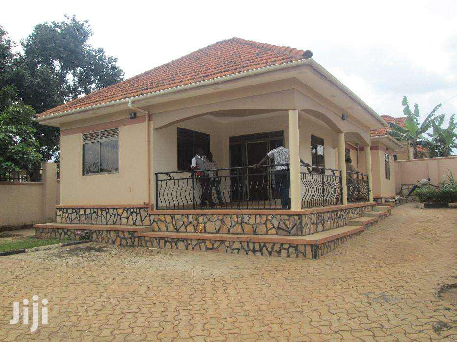 Three Bedroom House In Namugongo Road For Rent