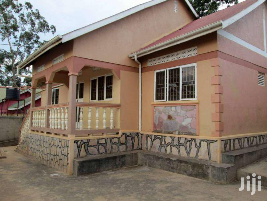 Three Bedroom House In Kito For Rent