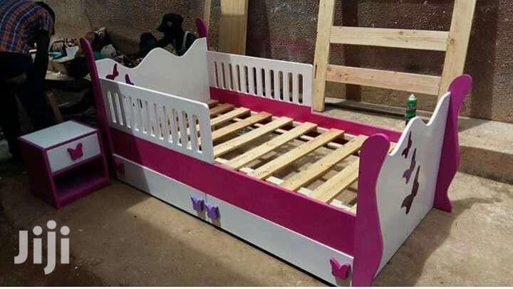 Kids Bed 2in 1 (Lower Bed Pulls Out)