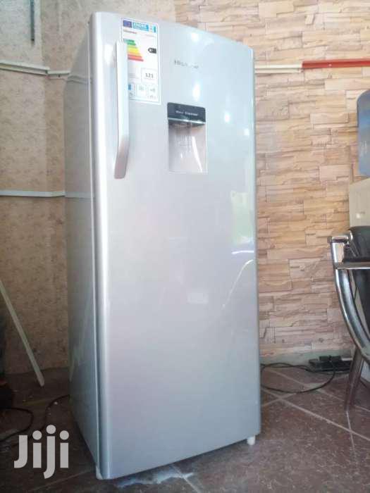 224 Litres HISENSE Refridge With a Water Dispenser and Deep Freezer