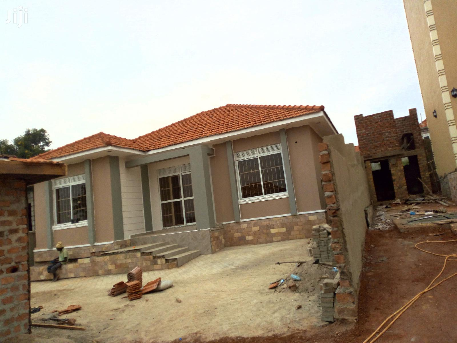 Brand New Three Bedroom House In Kira For Sale
