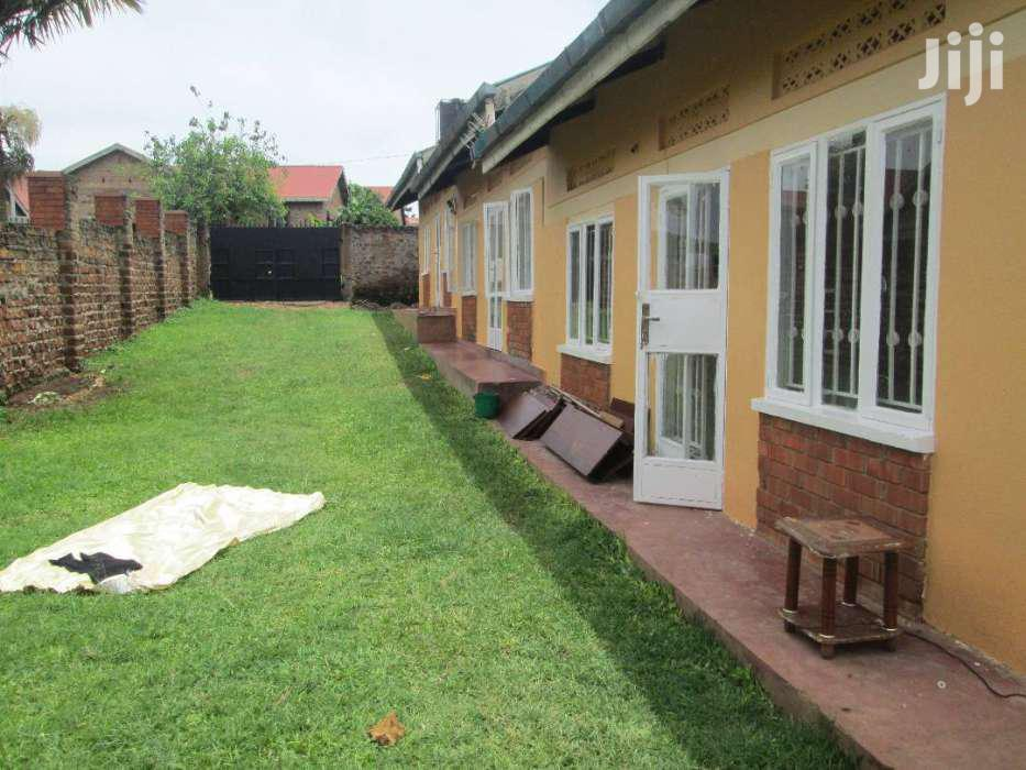 Archive: Two Bedroom House In Kito Kirinya For Rent