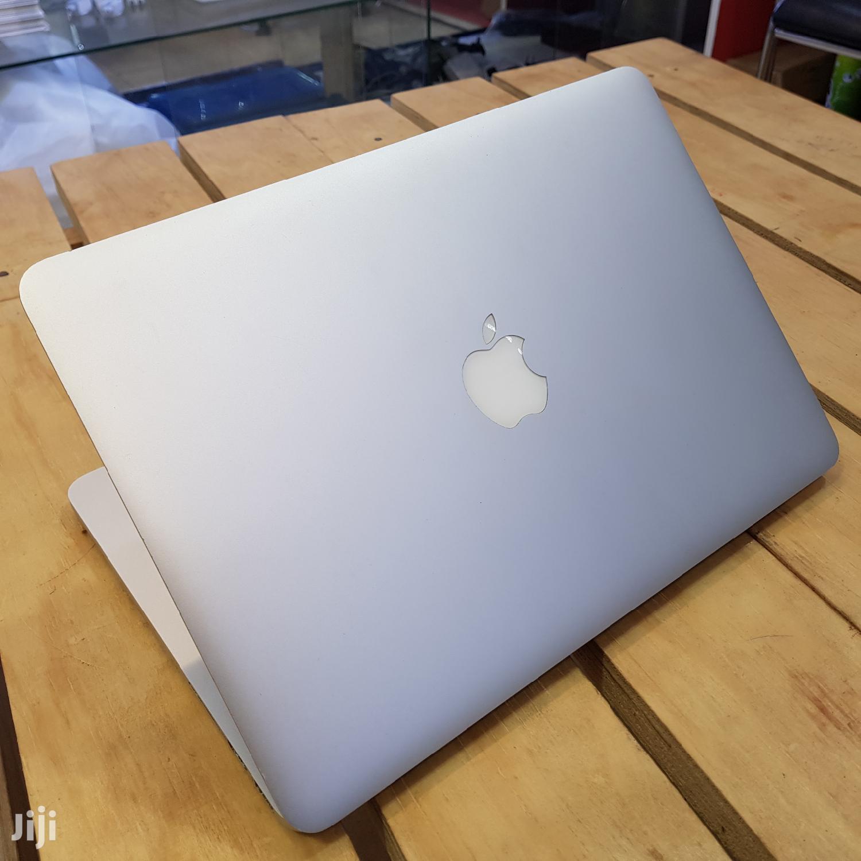 Apple MacBook Pro 13.3 Inches 128Gb Ssd Core I5 8Gb Ram