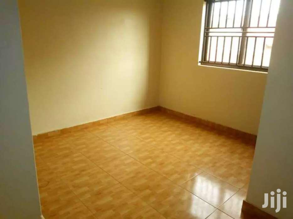 Archive: Outstanding 2bedrooms 2toilets On Apartment In Kiwatule At 800k